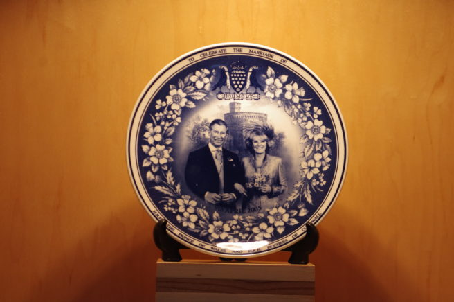 I bought this commemorative plate a few years ago. It was made by Wedgwood for the Daily Mail. It's not as nice as the Aynsley set.